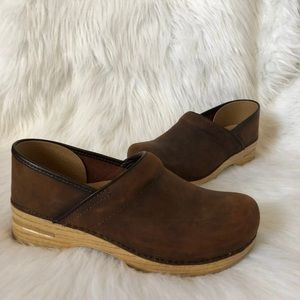 Dansko Professional Clogs Antique Brown Leather 42